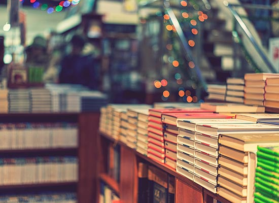 What is the difference between Traditional Publishing and Self-Publishing?